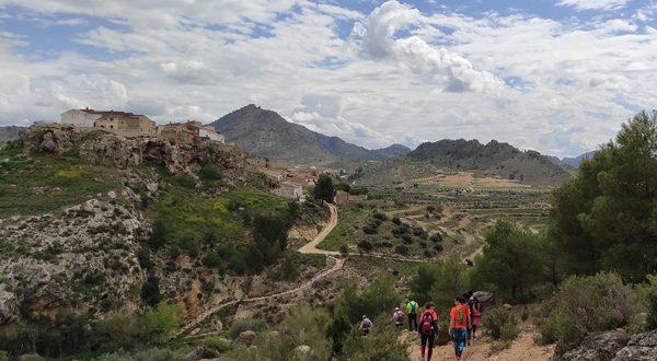 Caminar por Elche de la Sierra